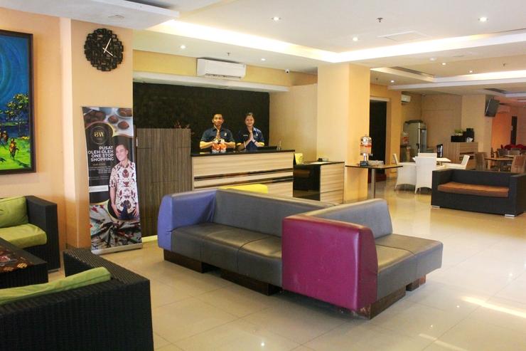TOP Malioboro Hotel Yogyakarta - lobby hotel
