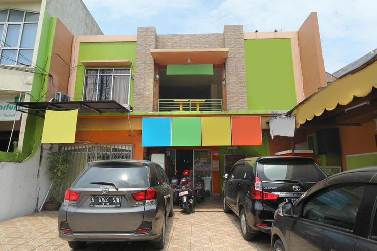 Airy Eco Syariah Tebet Stasiun Cawang Asem Baris Raya 158 Jakarta - Exterior