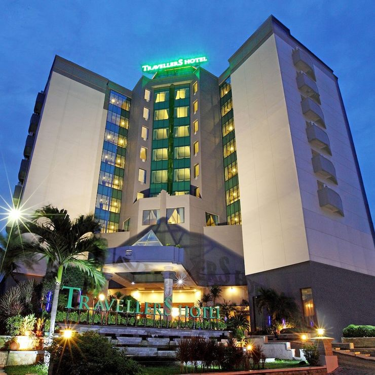 Travellers Hotel Jakarta - Front of Property - Evening/Night