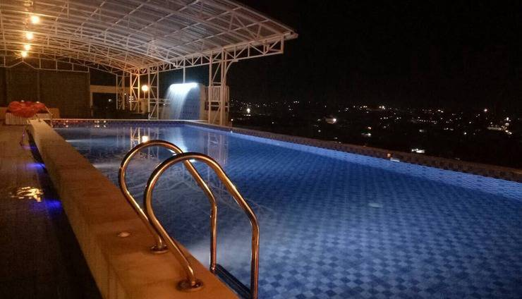 Hotel Radja Samarinda - 1