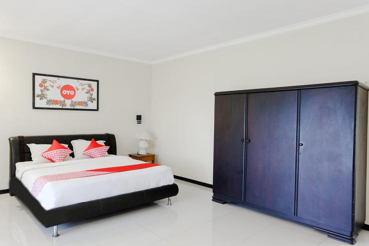 Capital O 892 Grand Pujon View Hotel And Resort Malang - Bedroom