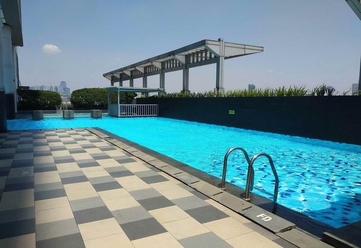 Apartemen Cosmo Terrace Jakarta - Pool