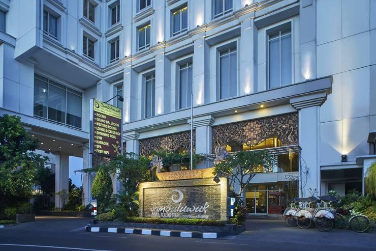 Jambuluwuk Malioboro Hotel Yogyakarta - Facade