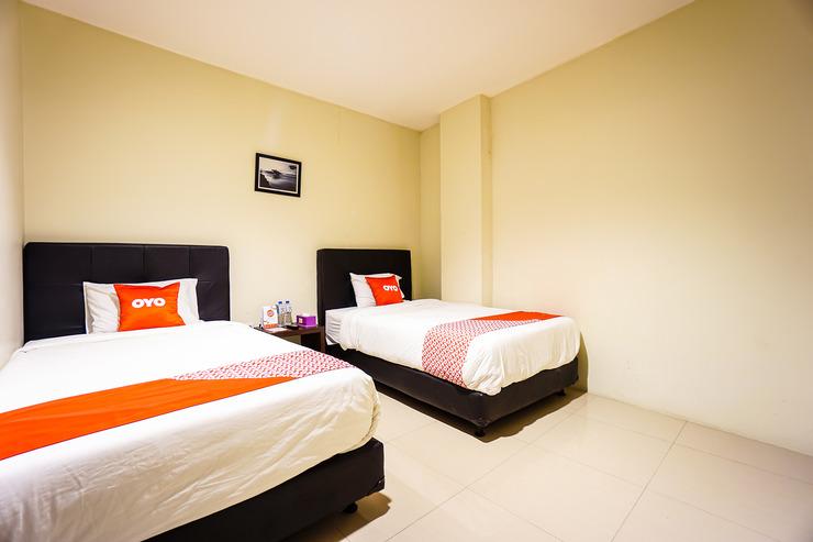 OYO 1769 Rid's Hotel Manado - Guestroom Guestroom
