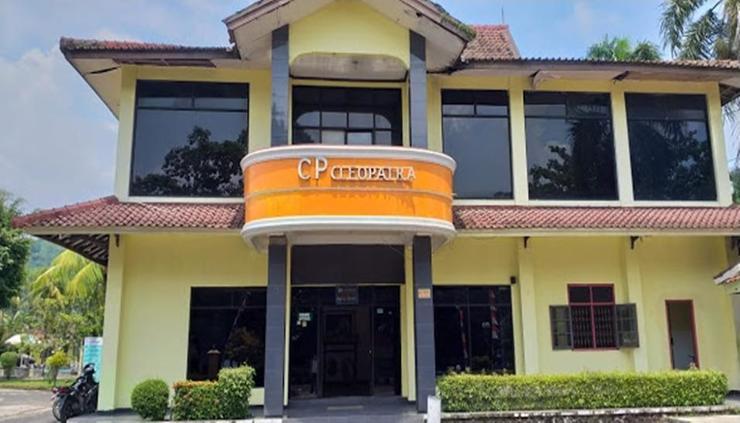 Hotel Cleopatra by MyHome Hospitality Sukabumi - exterior