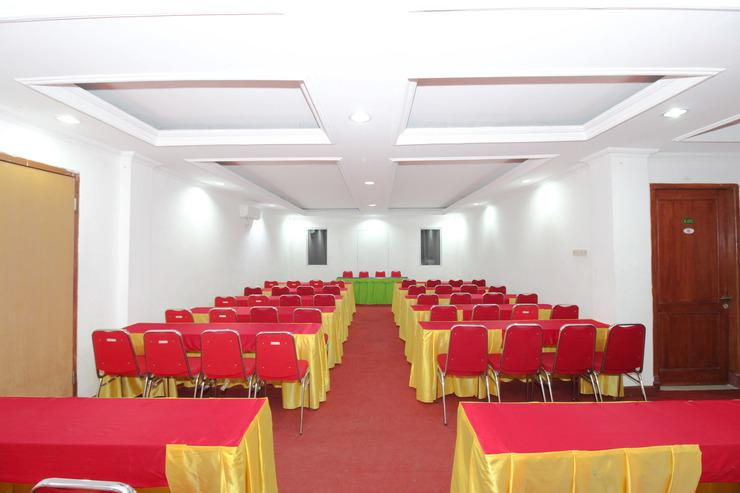 Airy Kartasura Adi Sumarmo 18 Solo Solo - Meeting Room