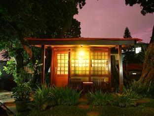 Homestay Retanata Bandung - 2 tempat tidur kamar Rumah Kayu