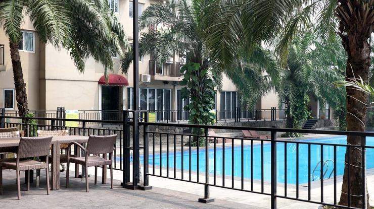 Indoluxe Rent Apartement Bekasi Bekasi - Pool