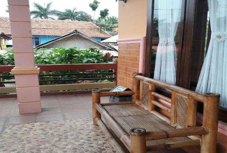 Villa Beton @ Sangkuriang Village Bandung - Exterior