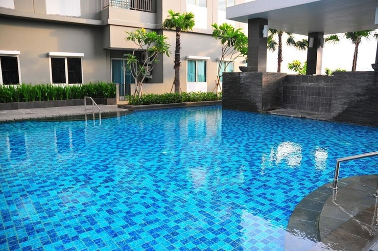 Capital O 1748 Thamrin Condotel Jakarta - Swimming Pool
