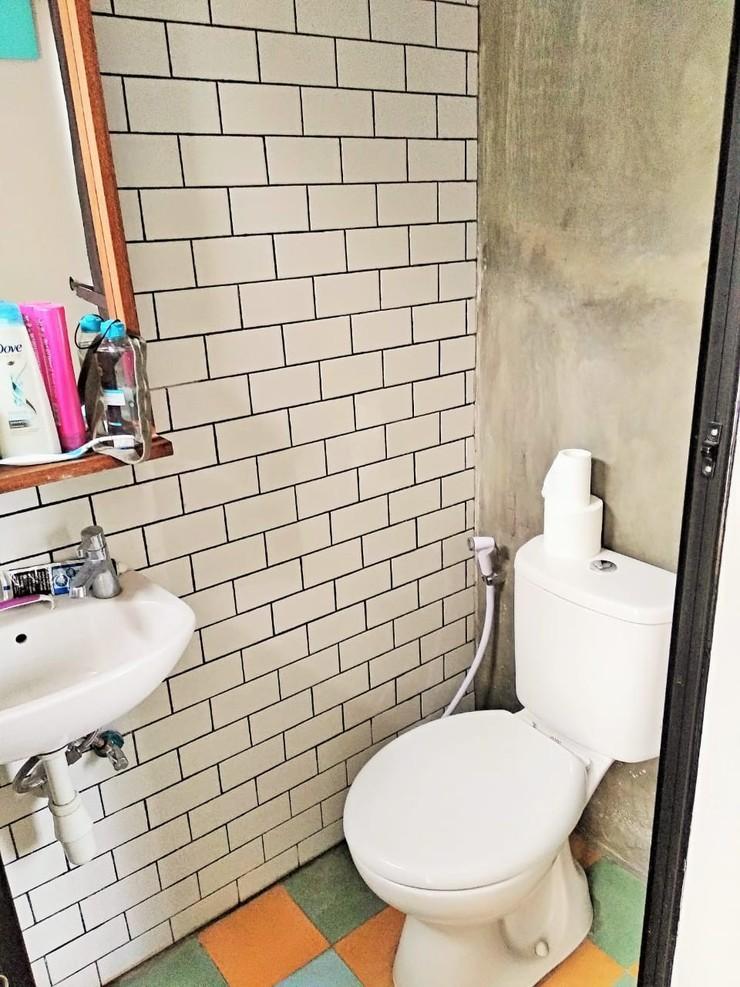 RoomMe Setiabudi Timur Jakarta - Bathroom