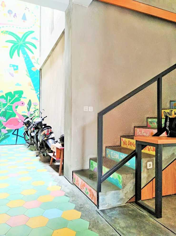 RoomMe Setiabudi Timur Jakarta - Lobby