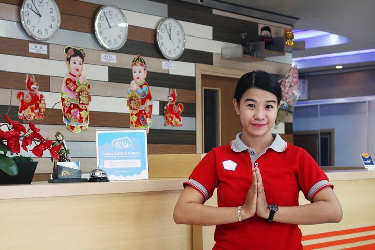 Airy Kertak Hanyar Satu Ahmad Yani KM 7.2 Banjarmasin - Receptionist
