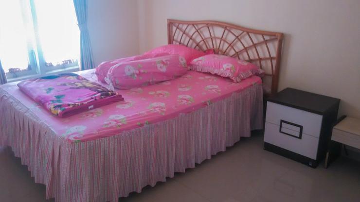 Villa Chatarina Malang - Bedroom queen size