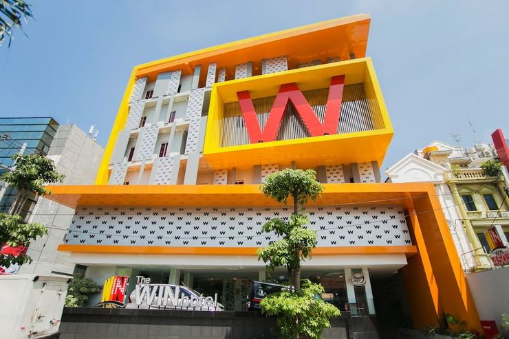The Win Hotel Surabaya - Front of Property