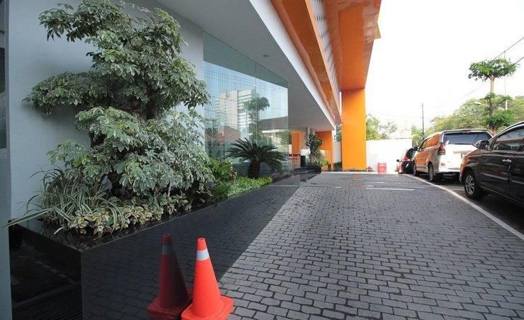 The Win Hotel Surabaya - Sekeliling