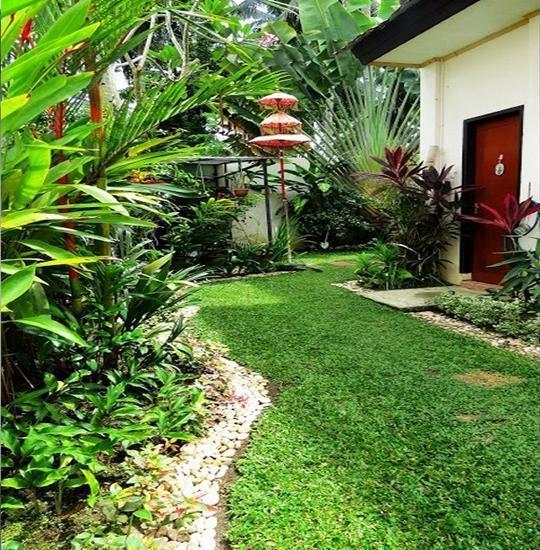 Jeanne's Place Manado - Exterior