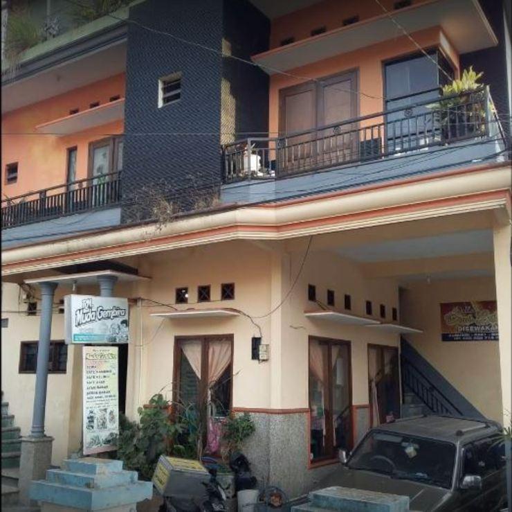 Penginapan Indah Lestari Malang - Exterior