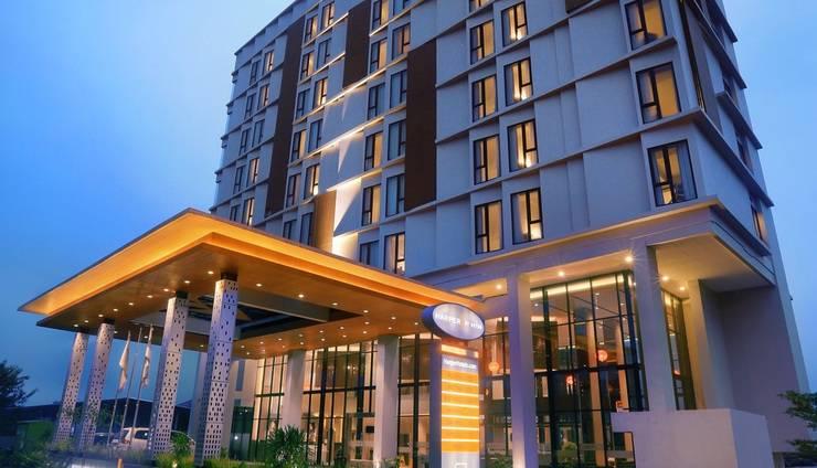 Harper Cikarang by ASTON Bekasi - Hotel Building Exterior