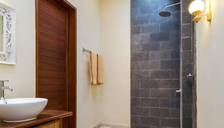 ZenRooms Ubud Jembawan 1 Bali - Kamar mandi