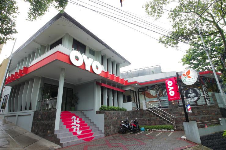 OYO 202 Kuwera Inn Bandung - Facade