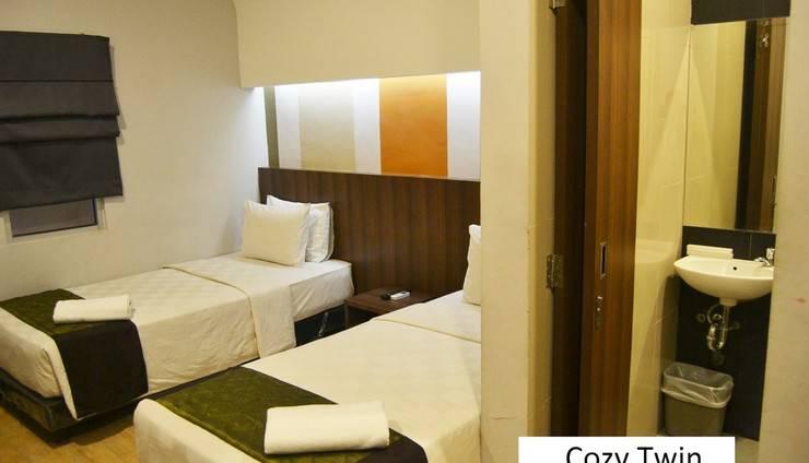 J Hotel Medan - Cozy tempat tidur Twin