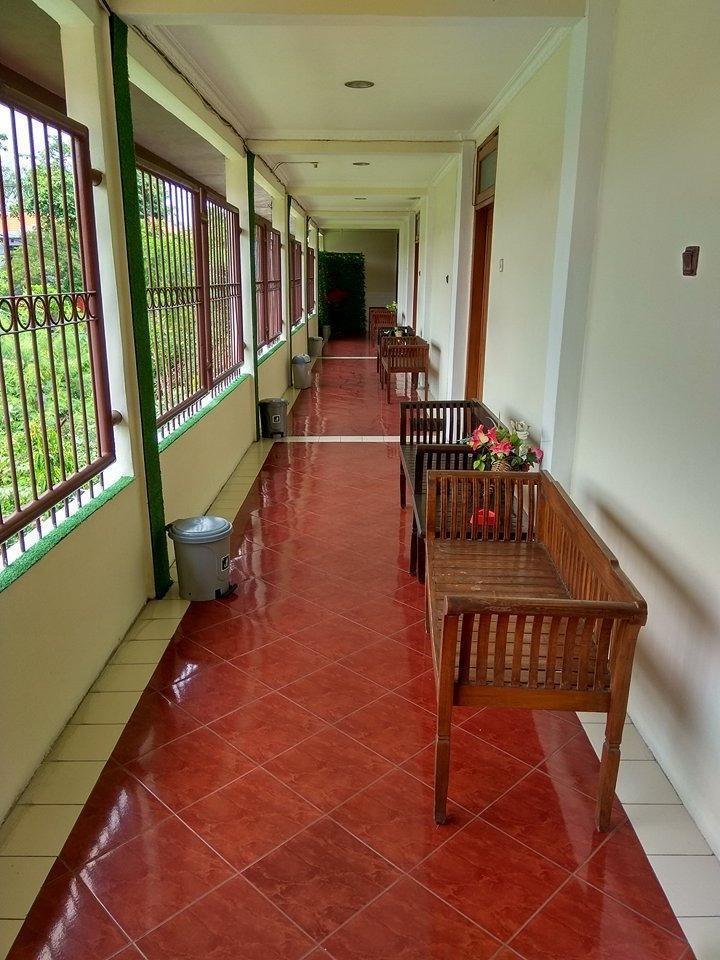 Nugraha Homestay Surabaya - Interior