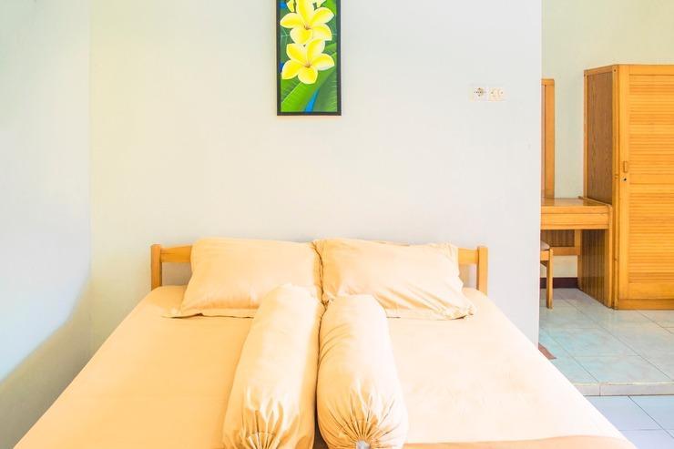 Nugraha Homestay Surabaya - Guest room