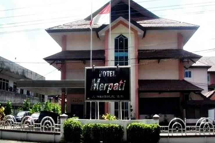 Hotel Merpati Pontianak - Tampilan Luar Hotel