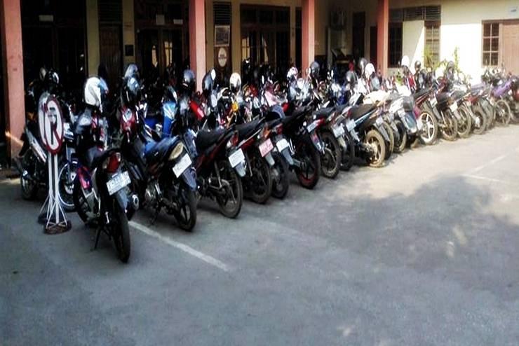 Hotel Merpati Pontianak - Area Parkir