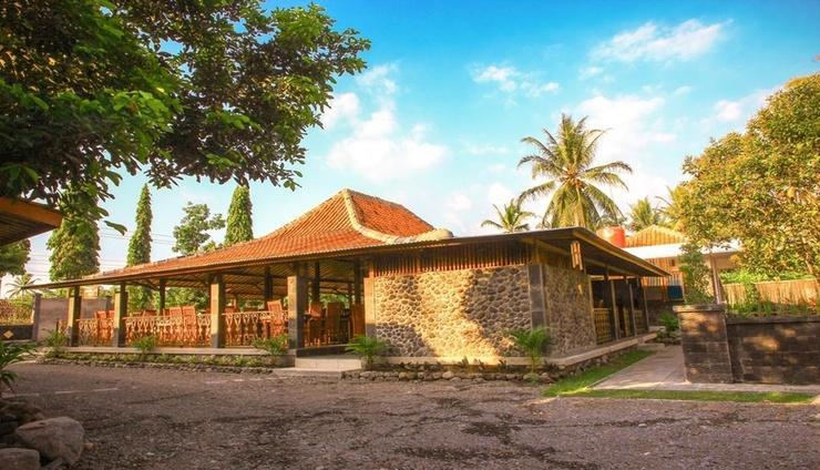 Senthong Asri Hotel & Resto Borobudur - Exterior
