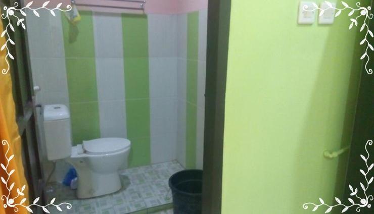 Comfort Room at Kostel Syariah Cimahi (AGS1) Bandung - Bedroom