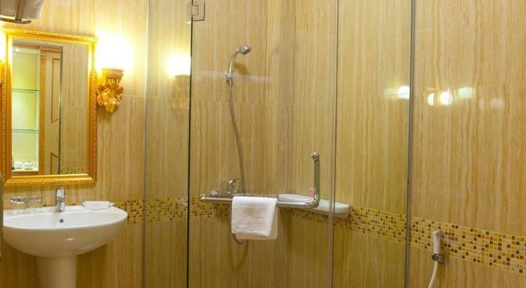 Hotel Grand Town  Makassar - Kamar mandi