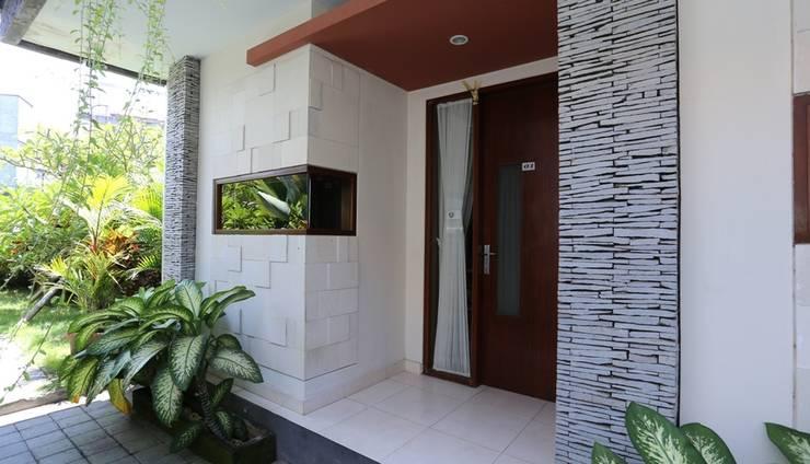 RedDoorz @Raya Canggu Bali - Eksterior