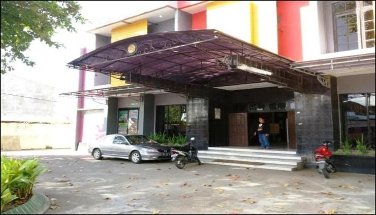 Hotel Dewi Sumbawa - exterior