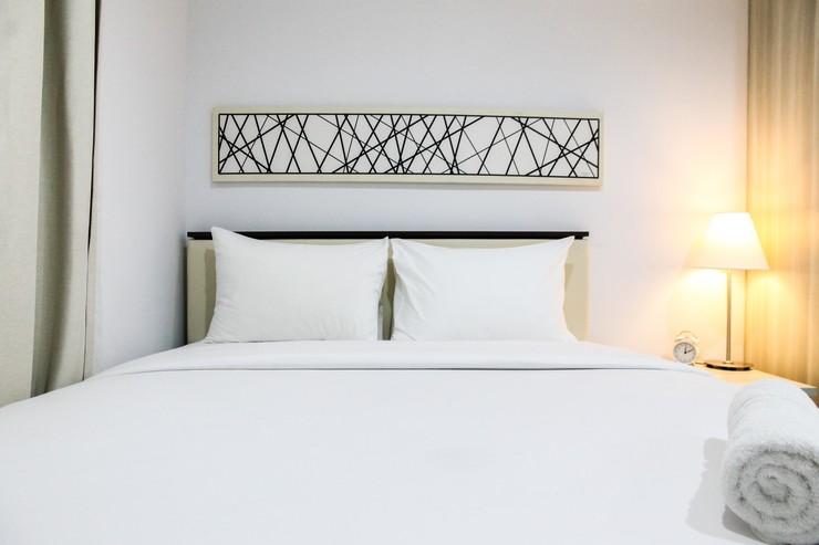 Cozy Studio Room Azalea Suites Apartment By Travelio Bekasi - Kamar tidur