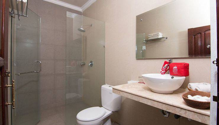 ZEN Premium Pegosekan Ubud 3 Bali - Kamar mandi
