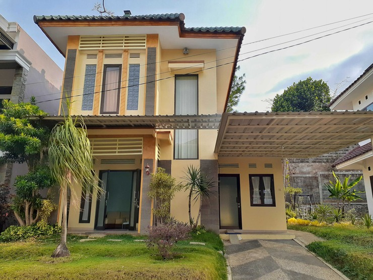 Villa Edelweis 3 Bedroom near Museum Angkut Malang - Villa 3 kamar