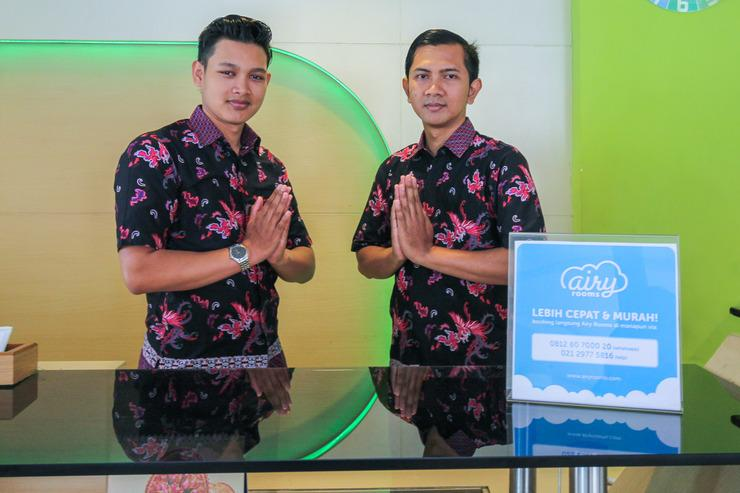 Airy Lowokwaru Sutoyo 22 Malang - Reception