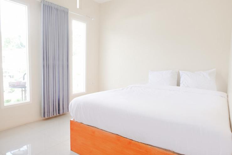OYO 2771 D'soetta Malang - Bedroom