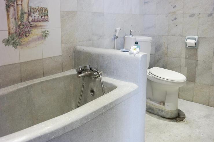 Tehila House Bali - Bathroom