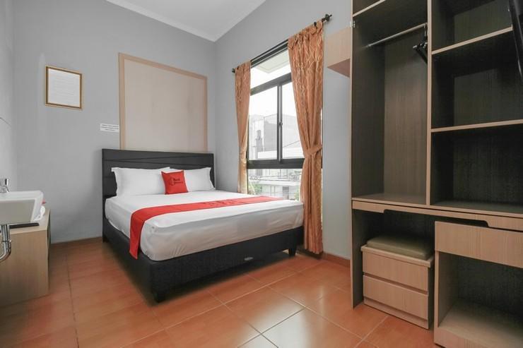 RedDoorz near Manggarai Station 2 Jakarta - Bedroom