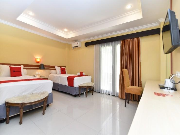 RedDoorz Plus near Mall Bali Galeria 2 Bali - Guestroom