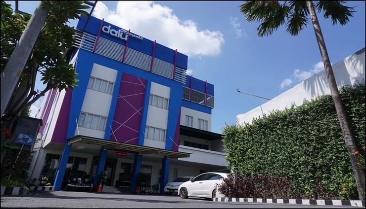 Hotel Dalu Semarang - New