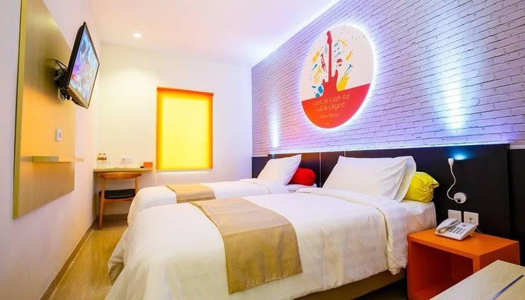 Front One Inn Muntilan Magelang - Twin Bed