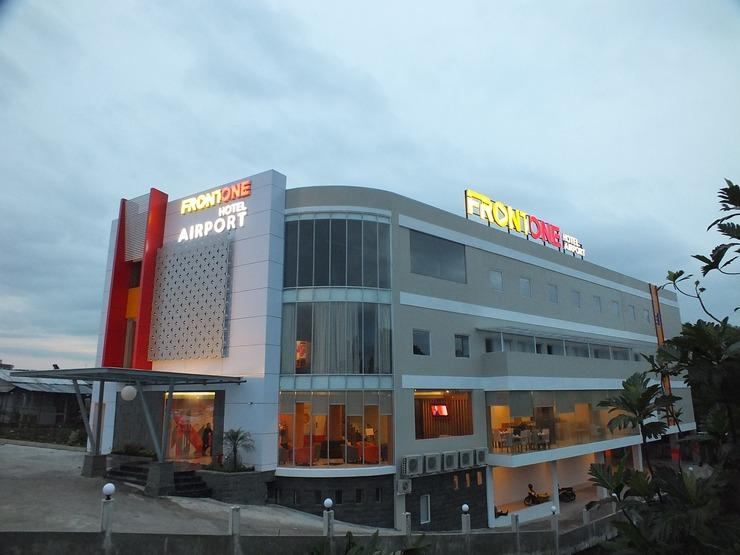 Front One Hotel Airport Solo Solo - Booking Murah Mulai Rp350.000