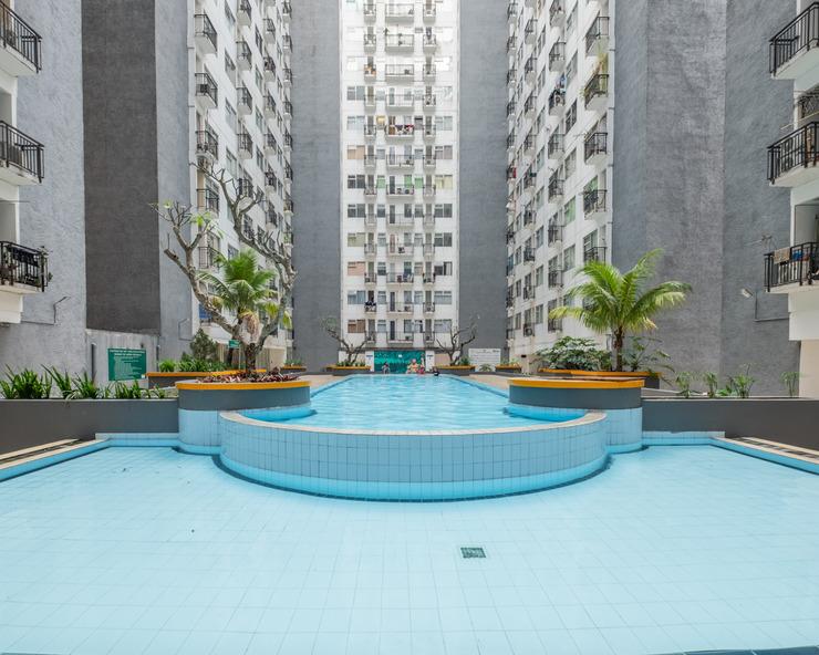 OYO 1085 Jarrdin Apartment Cihampelas Bandung - Swimming Pool
