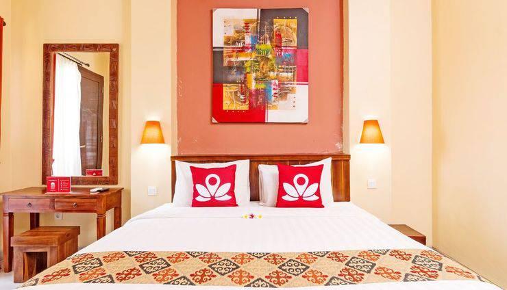 ZenRooms Celagi Basur Bali - Tampak tempat tidur double