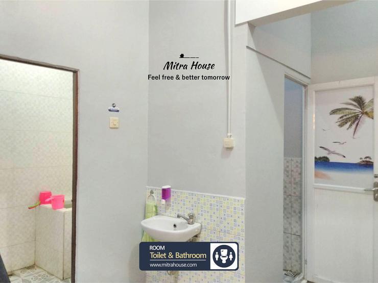 Mitrahouse Pontianak Pontianak - Bathroom