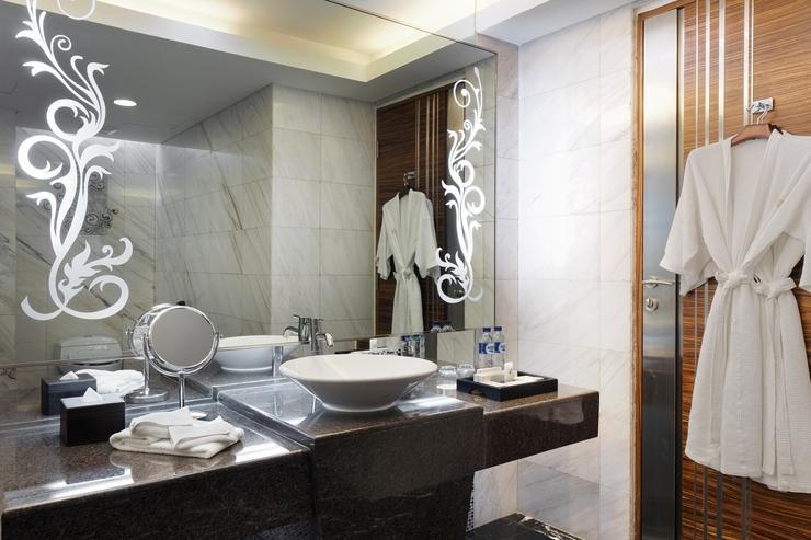 Cambridge Hotel Medan Medan - Kamar Mandi Bathroom